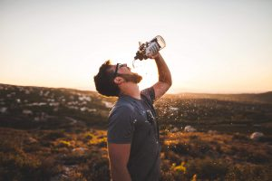 10 tips for a healthy lifestyle drink water